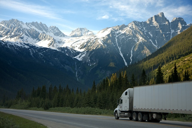 What Do CDL Traffic Lawyers Do for Truckers?